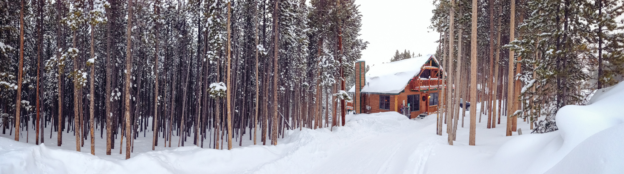 the_cabin_in_snow-1